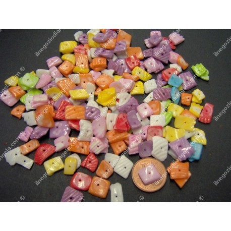 Assorted colours chips of natural shell