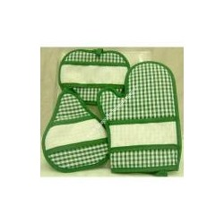 Trio oven Katy glove and two green potholders