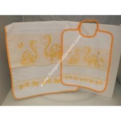Set asilo art. DINO col. GIALLO: bavaglino + asciugamano con inserto in tela aida da ricamare a punto croce