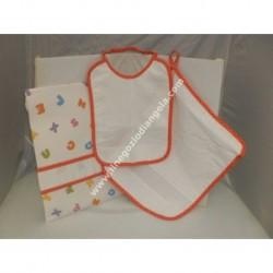 Completo 3 pezzi art. ALFABETO per asilo: bavetta, asciugamano e sacchetto, colore ARANCIO con banda in tela aida da ricamare a